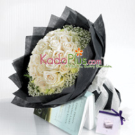 50-White-Roses-Bouquet